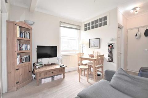1 bedroom flat for sale - Dewsbury Court, Chiswick