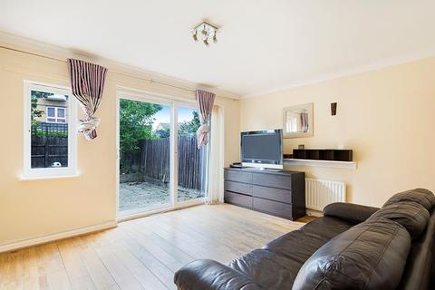 3 bedroom terraced house to rent - Magellan Place, Nr Canary Wharf, London, E14