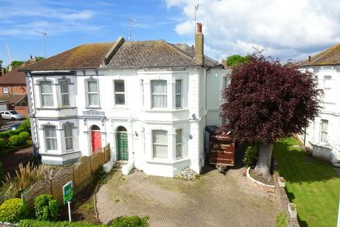 5 bedroom semi-detached house for sale - Victoria Road, Worthing, BN11