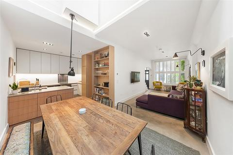 3 bedroom mews to rent - Holland Park Mews, W11