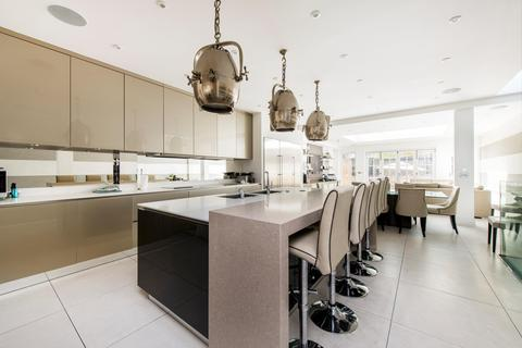 5 bedroom detached house for sale - Hall Road, London, NW8