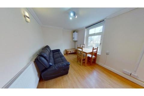3 bedroom flat to rent - Woodville Road, Cathays, Cardiff