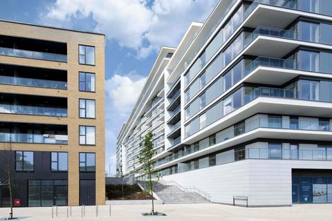 3 bedroom flat for sale - Plot river-gardens-3bed-portals-10may at The River Gardens SO, The RIver Gardens, Greenwich Wharf SE10