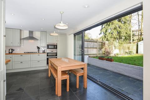 3 bedroom apartment to rent - Ferme Park Road London N8