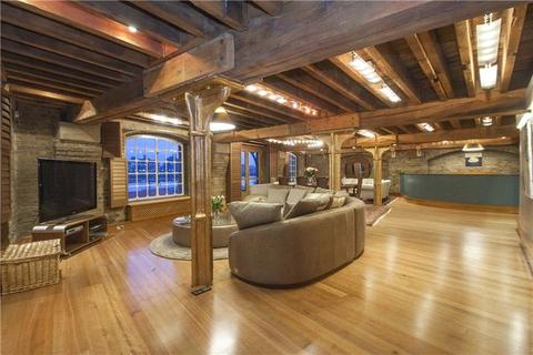 3 bedroom flat to rent - New Concordia Wharf, Mill Street, London