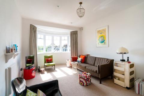 2 bedroom apartment for sale - Granville Road, London, N4