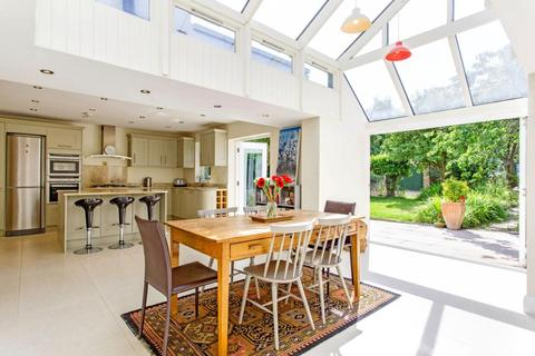 7 bedroom detached house to rent - Eaton Rise, Ealing, W5