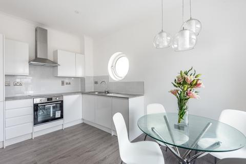 1 bedroom flat to rent - Wolfe Crescent London SE16