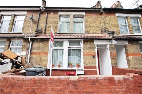 4 bedroom terraced house for sale - Pretoria Road, Tottenham, London, London, N17