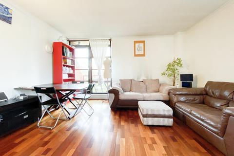 3 bedroom flat to rent - Mayflower Street, London, SE16