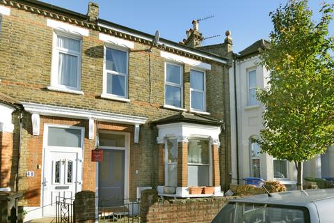 3 bedroom apartment to rent - Worlingham Road London SE22