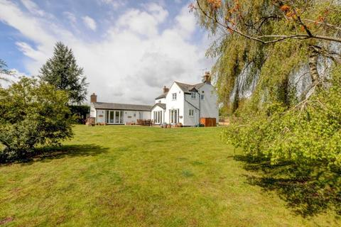 4 bedroom country house for sale - Steeple Claydon