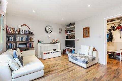 2 bedroom flat for sale - Harbord Close, SE5 8AG