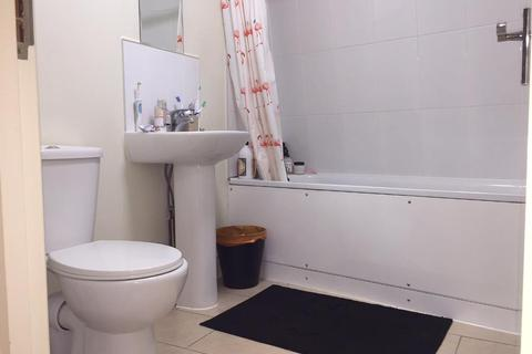 3 bedroom flat to rent - Mare Street, Hackney, London, E8 1HY