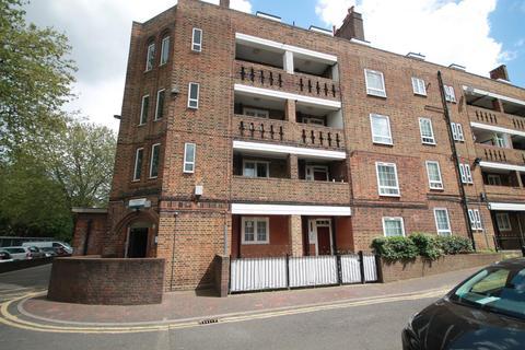 3 bedroom flat to rent - Glebe Estate, Peckham Road, SE5 7NB