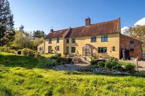 5 bedroom farm house for sale - Alby Common