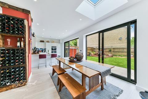 4 bedroom semi-detached house for sale - Huntley Close, Pelton road, Greenwich, London, SE10 9GJ