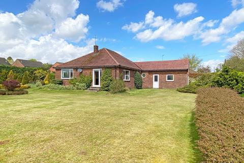 3 bedroom detached bungalow for sale - Heath Lane, Fakenham