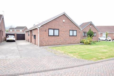 2 bedroom detached bungalow for sale - Lawnswood Close, Sutton-On-Hull