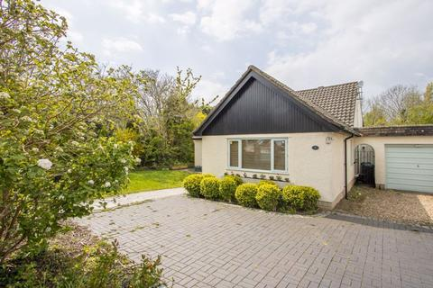 4 bedroom detached bungalow for sale - Caynham Avenue, Penarth