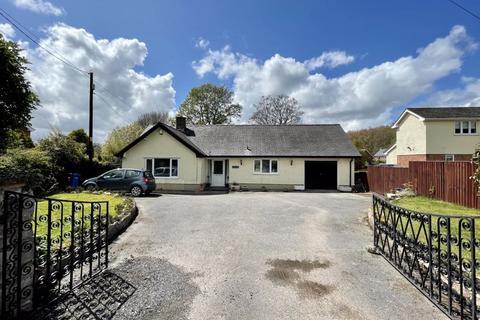 2 bedroom detached bungalow for sale - Llandyrnog, Denbigh