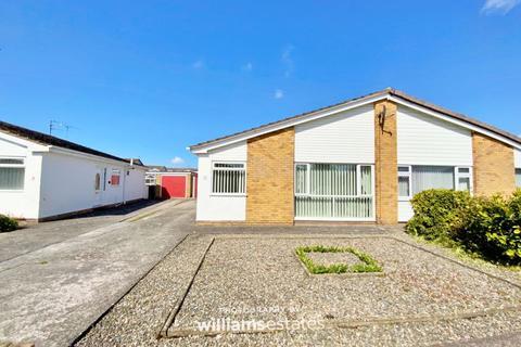 2 bedroom semi-detached bungalow for sale - Rowan Drive, Rhyl