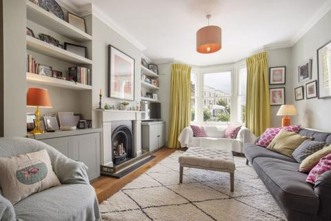 4 bedroom terraced house to rent - Hadyn Park Road W12