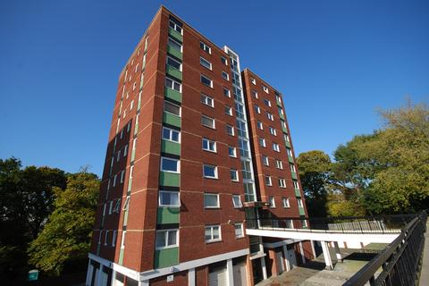 2 bedroom flat to rent - Byron House, Porchester Mead, BECKENHAM, BR3