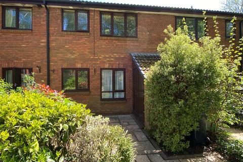 1 bedroom flat to rent - Cuthbury Gardens, Wimborne, BH21