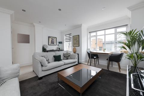 3 bedroom apartment for sale - Limburg Road, SW11