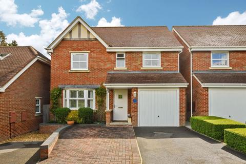 4 bedroom detached house for sale - Sassoon Close, Salisbury                                                              * VIDEO TOUR *