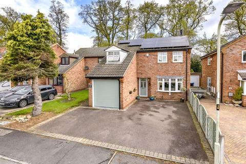 3 bedroom detached house for sale - Long Grey, LE8