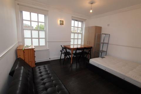 2 bedroom apartment to rent - Charrington House, Cephas Avenue, London
