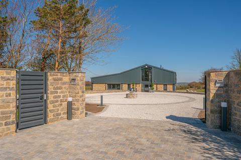 5 bedroom barn conversion for sale - Saddleworth Road, Barkisland, Halifax