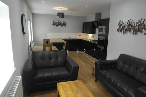 2 bedroom apartment to rent - The Academy