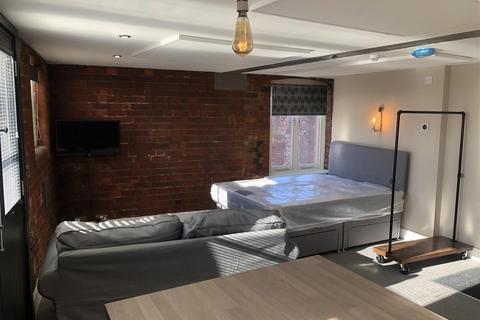 Studio to rent - Ellermans House