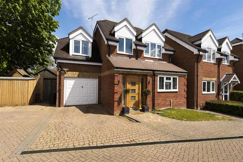 3 bedroom detached house for sale - Gilwell Close, Tonbridge