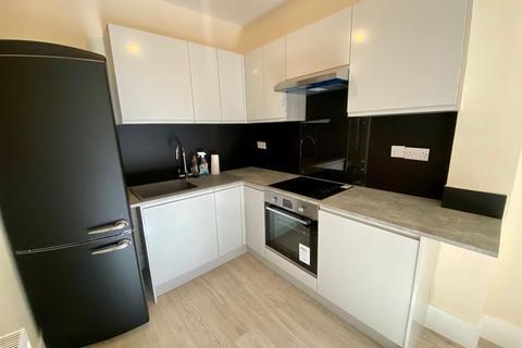 2 bedroom flat to rent - Denmark Villas, Hove