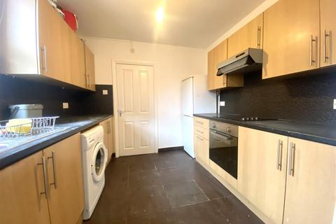 2 bedroom house to rent - Derby Road, Enfield