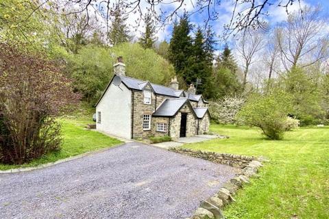 2 bedroom detached house for sale - Maenan