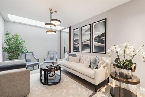 4 bedroom mews to rent - Clabon Mews, Knightsbridge SW1X