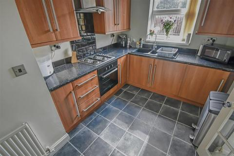 2 bedroom semi-detached house for sale - Milne Road, Hull