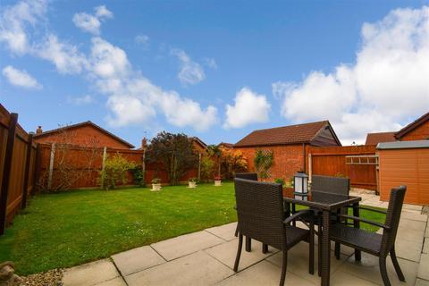 4 bedroom detached bungalow for sale - Garbutt Close, Preston, Hull