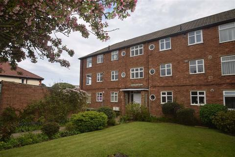 2 bedroom flat for sale - Cleveland Avenue, Scarborough, North Yorkshire, YO12