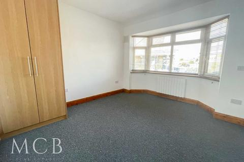 1 bedroom in a house share to rent - Somerset Road, Southall