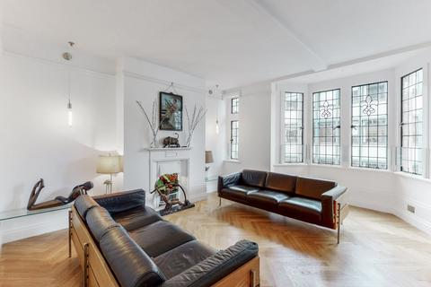 3 bedroom apartment to rent - Newman Street, W1T