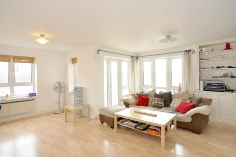 3 bedroom apartment to rent - St David's Square, Isle of Dogs, London E14