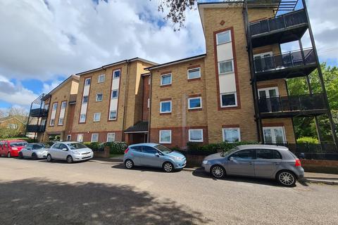2 bedroom flat to rent - Vespasian Road, Bitterne Manor