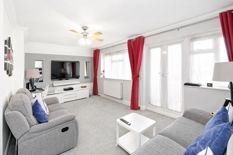 2 bedroom flat for sale - WAYCROSS ROAD, UPMINISTER RM14