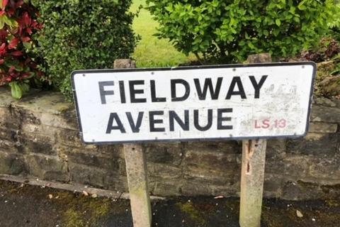2 bedroom detached bungalow for sale - Fieldway Avenue, Leeds, LS13